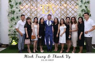 Trung-Vy-wedding-instant-print-photo-booth-Chup-anh-in-hinh-lay-lien-Tiec-cuoi-WefieBox-Photobooth-Vietnam-126