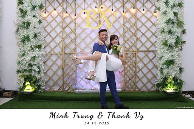 Trung-Vy-wedding-instant-print-photo-booth-Chup-anh-in-hinh-lay-lien-Tiec-cuoi-WefieBox-Photobooth-Vietnam-130