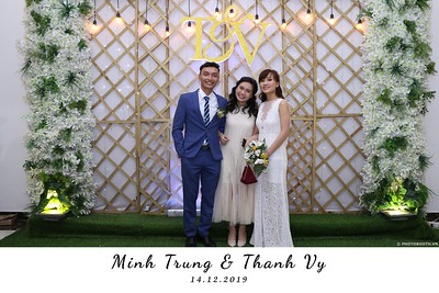 Trung-Vy-wedding-instant-print-photo-booth-Chup-anh-in-hinh-lay-lien-Tiec-cuoi-WefieBox-Photobooth-Vietnam-107