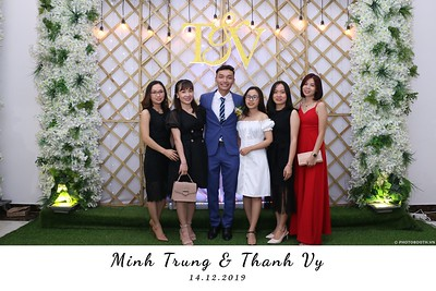 Trung-Vy-wedding-instant-print-photo-booth-Chup-anh-in-hinh-lay-lien-Tiec-cuoi-WefieBox-Photobooth-Vietnam-112