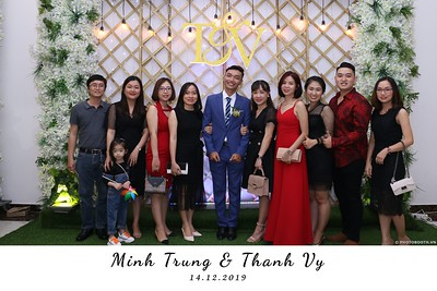 Trung-Vy-wedding-instant-print-photo-booth-Chup-anh-in-hinh-lay-lien-Tiec-cuoi-WefieBox-Photobooth-Vietnam-125