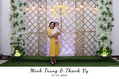 Trung-Vy-wedding-instant-print-photo-booth-Chup-anh-in-hinh-lay-lien-Tiec-cuoi-WefieBox-Photobooth-Vietnam-120