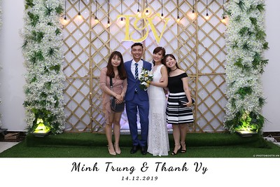 Trung-Vy-wedding-instant-print-photo-booth-Chup-anh-in-hinh-lay-lien-Tiec-cuoi-WefieBox-Photobooth-Vietnam-108