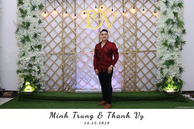 Trung-Vy-wedding-instant-print-photo-booth-Chup-anh-in-hinh-lay-lien-Tiec-cuoi-WefieBox-Photobooth-Vietnam-118