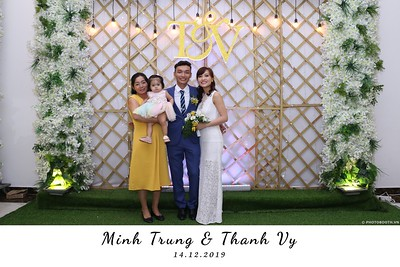 Trung-Vy-wedding-instant-print-photo-booth-Chup-anh-in-hinh-lay-lien-Tiec-cuoi-WefieBox-Photobooth-Vietnam-119