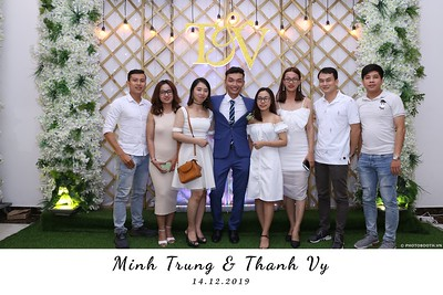 Trung-Vy-wedding-instant-print-photo-booth-Chup-anh-in-hinh-lay-lien-Tiec-cuoi-WefieBox-Photobooth-Vietnam-123