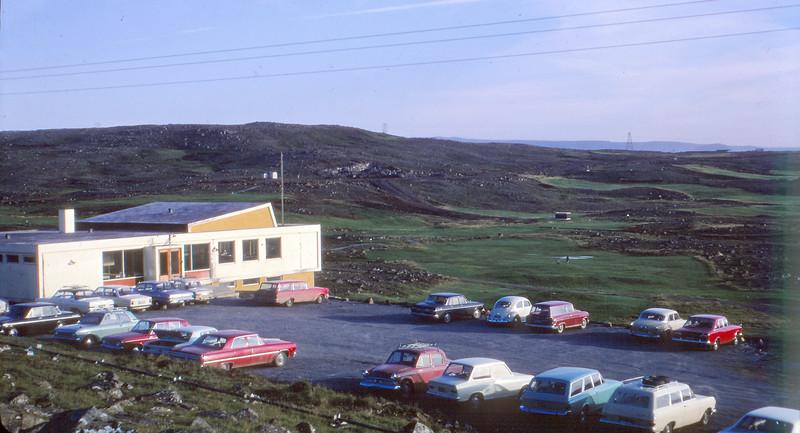 Horft yfir klúbbhús og golfvöll í Grafarholti 1969.  Ljósmynd: Jóhann Eyjólfsson