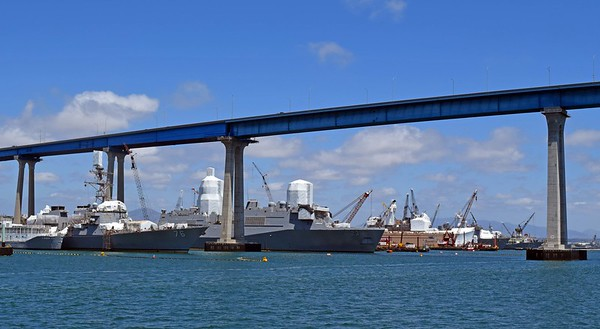 USS Higgins DDG-76 & USS Anchorage LPD-23 being Overhauled