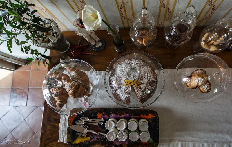 Breakfast at the Villa.