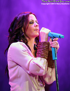 Sara Evans performs on January 27, 2012 at the Dunkin Donuts Center in Providence, Rhode Island