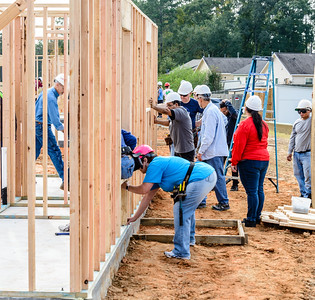 Don Rueter - 2018-11-17 Habitat Wall Raising DAR-5