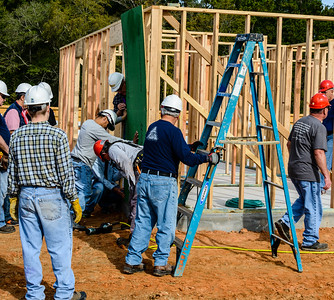 Don Rueter - 2018-11-17 Habitat Wall Raising DAR-20