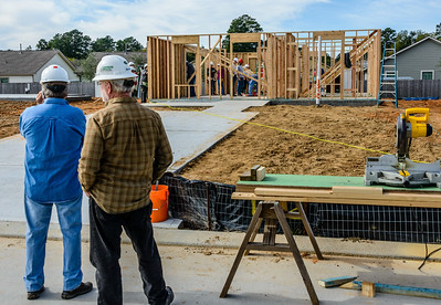 Don Rueter - 2018-11-17 Habitat Wall Raising DAR-45