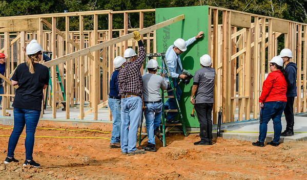 Don Rueter - 2018-11-17 Habitat Wall Raising DAR-33