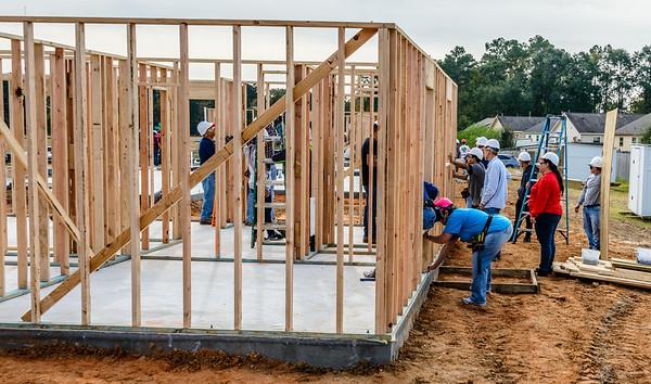 Don Rueter - 2018-11-17 Habitat Wall Raising DAR-4