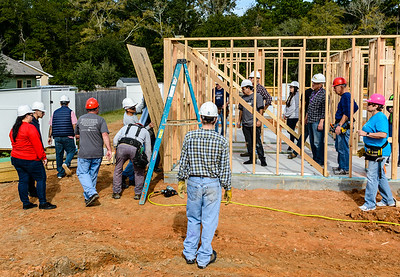 Don Rueter - 2018-11-17 Habitat Wall Raising DAR-16