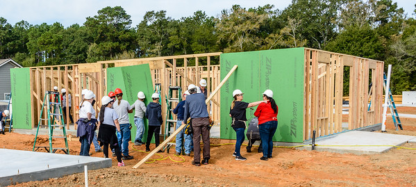 Don Rueter - 2018-11-17 Habitat Wall Raising DAR-40