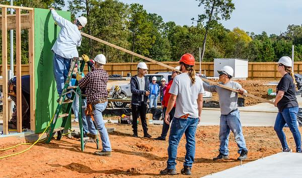 Don Rueter - 2018-11-17 Habitat Wall Raising DAR-35