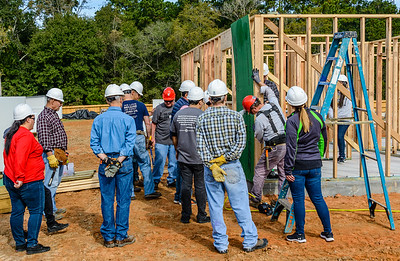 Don Rueter - 2018-11-17 Habitat Wall Raising DAR-18