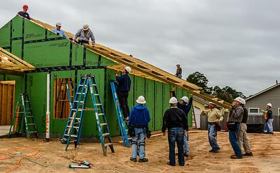 Don Rueter - 12-12-2018 Habitat Roof Work DAR-9