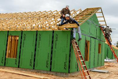 Don Rueter - 12-12-2018 Habitat Roof Work DAR-28