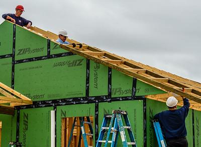 Don Rueter - 12-12-2018 Habitat Roof Work DAR-10
