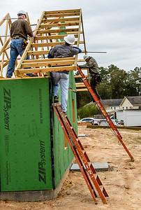 Don Rueter - 12-12-2018 Habitat Roof Work DAR-25