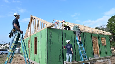 Don Rueter - Habitat Truss Raising-31