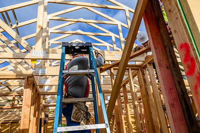 Don Rueter - Habitat Truss Raising-23