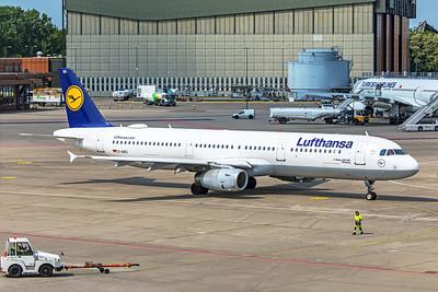 Lufthansa Airbus A321-131 D-AIRU 5-24-19 2
