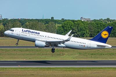 Lufthansa Airbus A320-214 D-AIWA 5-24-19