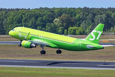 S7 - Siberia Airlines Airbus A320-214 VP-BOG 5-23-19