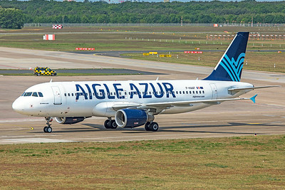 Aigle Azur Airbus A320-214 F-HAAF 5-24-19
