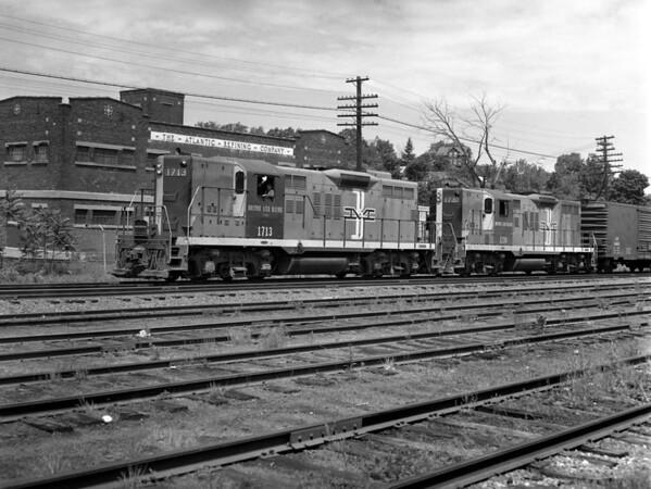 B&M Fitchburg, MA - TAA-B&M-031-2K