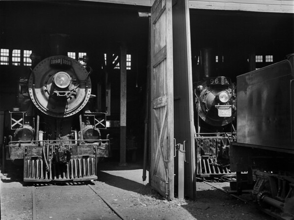 Ex B&M roundhouse at N. Walpole (Bellows Falls). TAA-ST-005-1_K