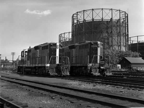 B&M in Worcester yard w. gas tanks - TAA-B&M-003-1K