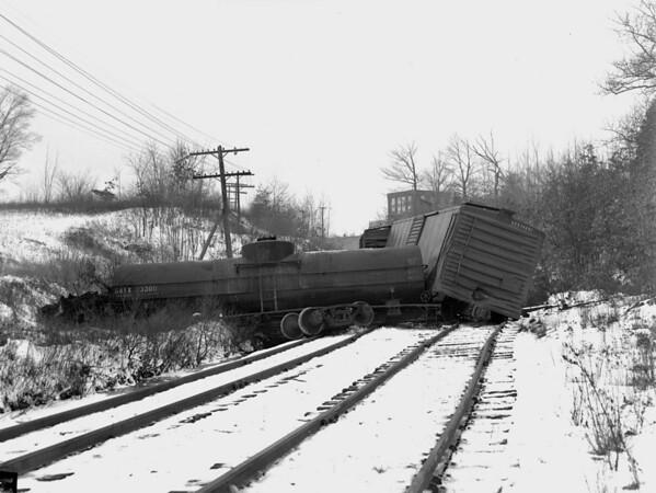 B&M Worcester wreck at Burncoat St. Crossing - TAA-B&M-016-1K