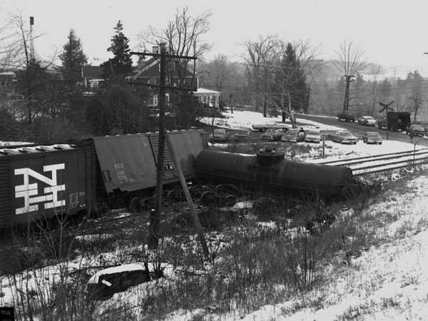 B&M Worcester wreck at Burncoat St. Crossing - TAA-B&M-016-2K