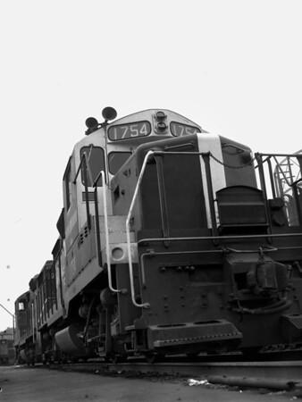 B&M in Worcester yard w. gas tanks - TAA-B&M-003-6K
