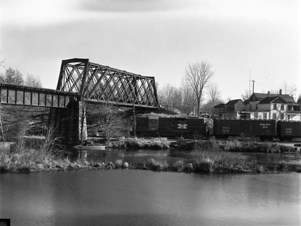 NH at B&A Webster Branch bridge, North Webster, MA. - TAA-NH-004-1K