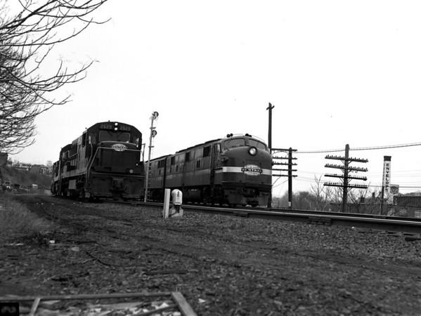 NYC-Worcester, MA, Putnam Lane MP43, passenger & freight