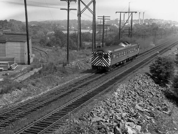 NYC-Worcester, MA Budd RDC car westbound, Heard St. bridge.