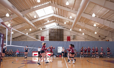 Varsity Volleyball defeats Hotchkiss