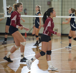 Varsity Volleyball defeats Hotchkiss