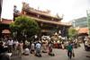 Longshan Temple. Mesmerising chanting.