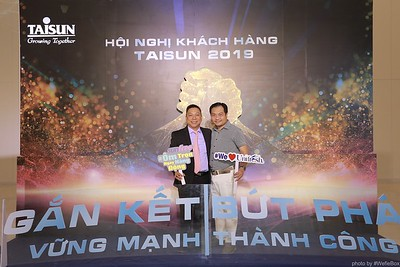Taisun-Hoi-Nghi-Khach-Hang-2019-instant-print-photobooth-chup-anh-in-hinh-lay-lien-Su-kien-WefieBox-photobooth-vietnam-045
