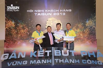 Taisun-Hoi-Nghi-Khach-Hang-2019-instant-print-photobooth-chup-anh-in-hinh-lay-lien-Su-kien-WefieBox-photobooth-vietnam-042