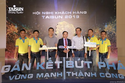 Taisun-Hoi-Nghi-Khach-Hang-2019-instant-print-photobooth-chup-anh-in-hinh-lay-lien-Su-kien-WefieBox-photobooth-vietnam-034