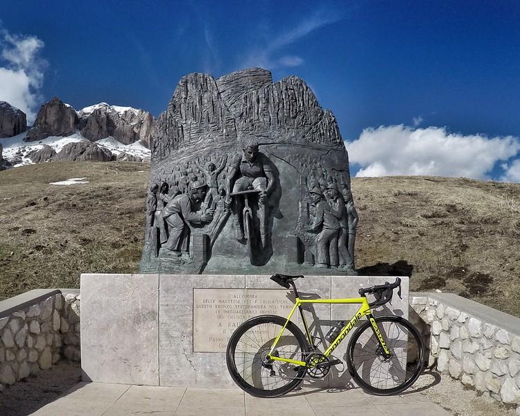 Coppi monument