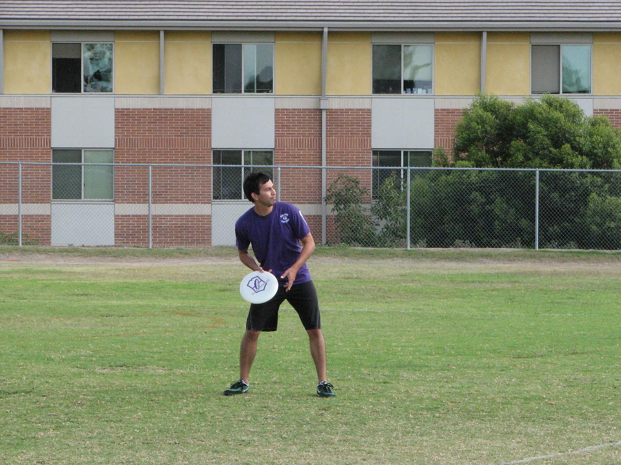 2006 10 13 Fri - Bobby Rivera about to throw